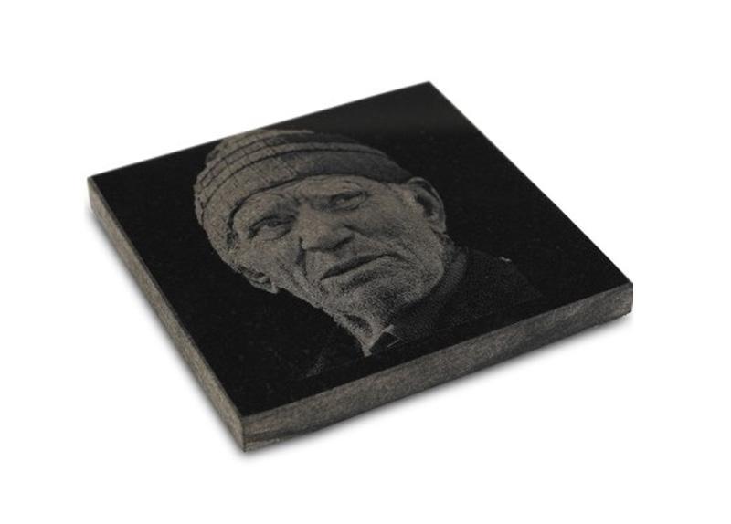 Lasersko graviranje fotografije na kamen