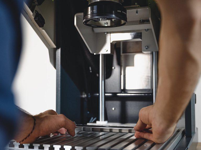 Lasersko označevanje od posameznih kosov do serij