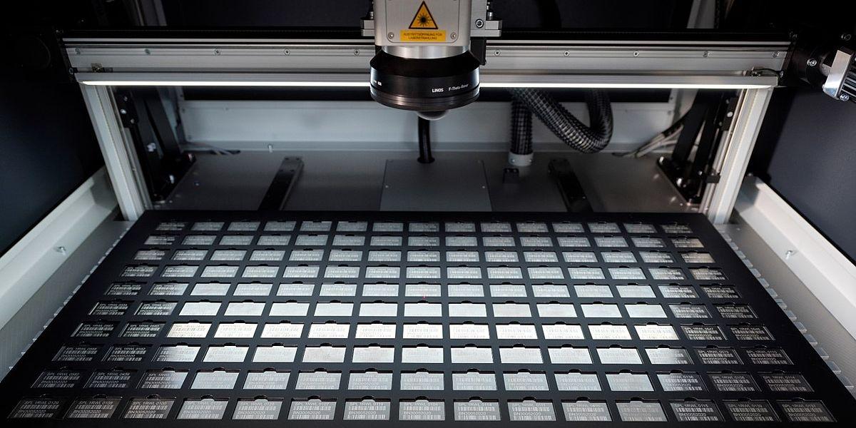 Industrijsko označevanje kovine