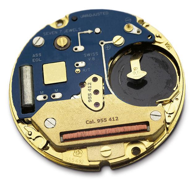 Graviranje na kovinske dele ure