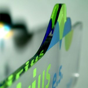 Laserski razrez pleksija rob