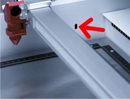 Senzorji svetlobe preverjajo višino mize