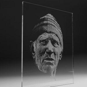 Gravirano pleksi steklo